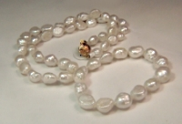 Freshwater cultured pearl necklace (21
