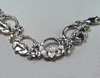 Claddagh Bracelet in 14KW
