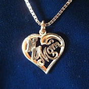 Niagara University Mom Pendant